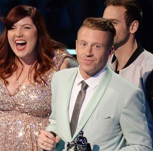 "Mary Lambert performs "" Same Love"" with Macklemore and Ryan Lewis at the 2013 VMA."